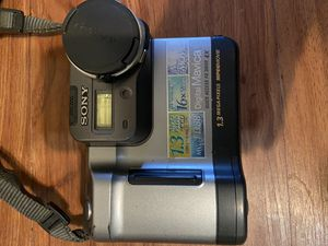 Sony Mavica digital camera/ battery for Sale in Chicago, IL
