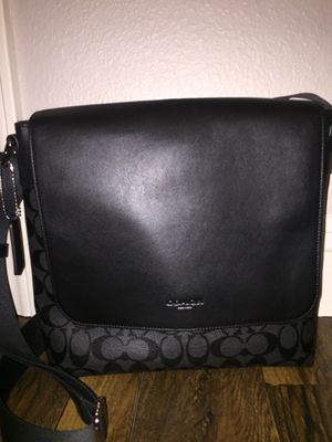 Authentic Men's Coach Messenger Bag for Sale in Fresno, CA