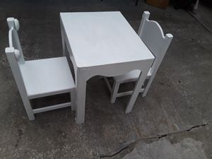 KIDS WOODEN ACTIVITY PLAY TABLE AND 2 CHAIRS for Sale in Tampa, FL