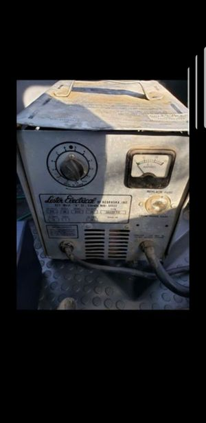 Lester electrical golf cart charger works great for Sale in Dublin, CA