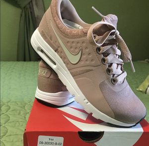 Nike Shoes size 6.5 for Sale in Reedley, CA