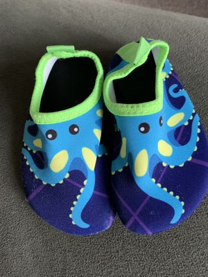 Toddler water shoes for Sale in Middletown, RI