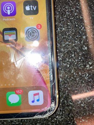 iPhone XR 64 GB for Sale in Washington, DC
