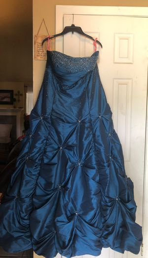 Strapless Maggie Sotero Prom dress. for Sale in Houston, TX
