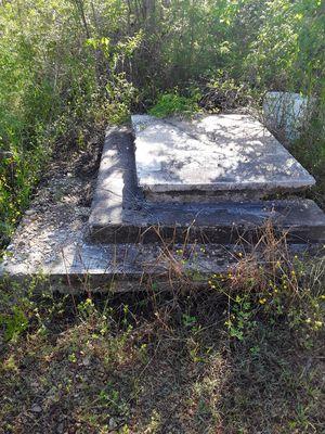 Concrete steps 3 levels free for Sale in Hamilton, MS
