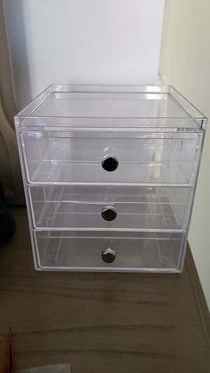 Small plastic drawer set for Sale in Los Angeles, CA