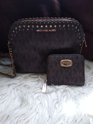 Michael kors crossbody and wallet for Sale in Fort Worth, TX