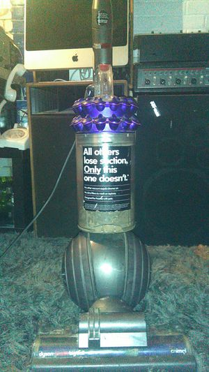 Dyson animal big ball vacuum cleaner for Sale in Los Angeles, CA