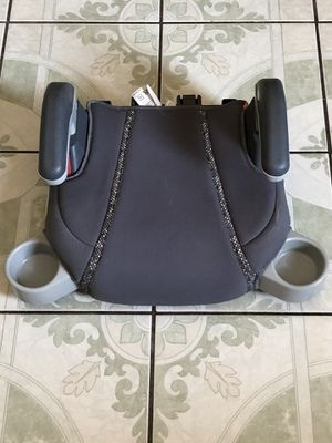 LIKE NEW Graco booster seat with two cup holder for Sale in Riverside, CA