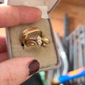Women's 18kt Gold Sterling Silver Wedding Ring for Sale in Reading, PA