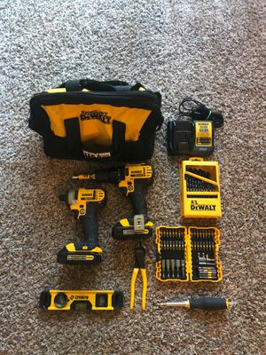 DeWalt drill driver/impact 20v set includes everything in picture for Sale in Federal Way, WA