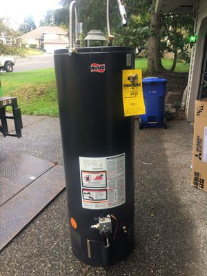 50 gal gas water heater for Sale in Kent, WA