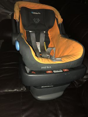 Uppa baby Mesa car seat and base for Sale in Rockville, MD