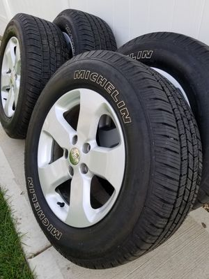 "18"" Jeep Grand Cherokee Wheels & Michelin Tires for Sale in Chicago, IL"