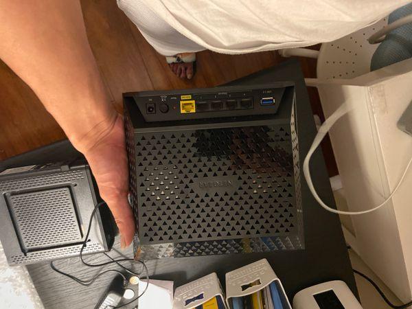 NETGEAR Dual Band Gigabit AC1750 Smart WiFi Router (R6300v2)