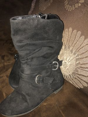Size 9 girls boots for Sale in El Paso, TX