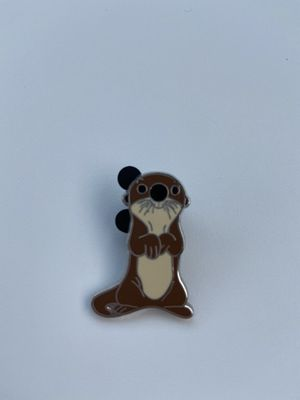 Otter finding dory Disney pin for Sale in Riverview, FL