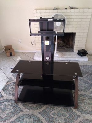 Like new TV console with job for Sale in Rancho Cucamonga, CA