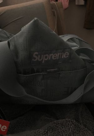 Supreme duffle bag ice for Sale in Irving, TX