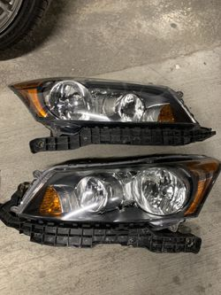 08-12 Honda Accord Headlights With Black Housing for Sale in Valley Stream,  NY