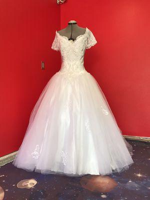 White princess wedding dress! for Sale in Tacoma, WA