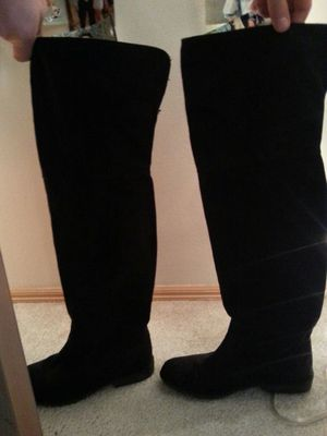 Knee high boots for Sale in Snohomish, WA