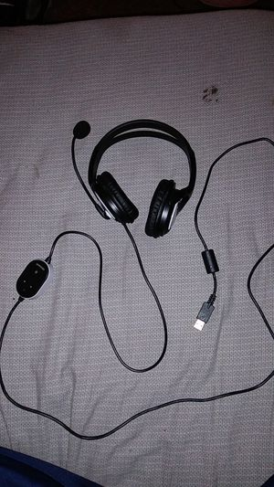 Microsoft gaming headset with microphone (has USB plug) for Sale in Mesquite, TX