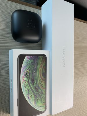 iPhone XS 256 W/ Apple Watch 4 & PowerBeats Pro for Sale in Anaheim, CA