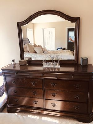 King bedroom set for Sale in Cary, NC