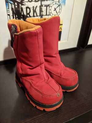 Kid snow boots sz8 for Sale in West Linn, OR