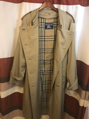Men's Burberry Coat for Sale in Clearwater, FL