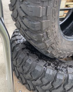 (2) RBP Repulsor Mud Terrain Tires 33x12.50x18 for Sale in Leesburg,  FL