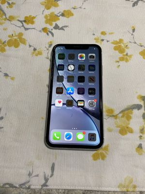 iPhone XR (Unlocked) for Sale in Westerville, OH