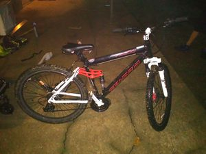 21 speed mountain bike for Sale in Nashville, TN