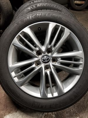 """Toyota camry wheels 17"""" for Sale in Ontario, CA"""
