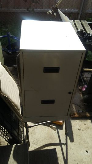 3 drawer metal file cabinets for Sale in Columbus, OH