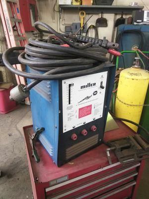 Miller thunder bolt 225v for Sale in Montebello, CA