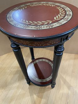"""Decorative side table, 28"""" T x 17"""" across for Sale in Lutz,  FL"""