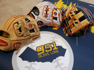 Wilson A2000 11.5inch dp15 JA27 baseball gloves for Sale in Riverside, CA