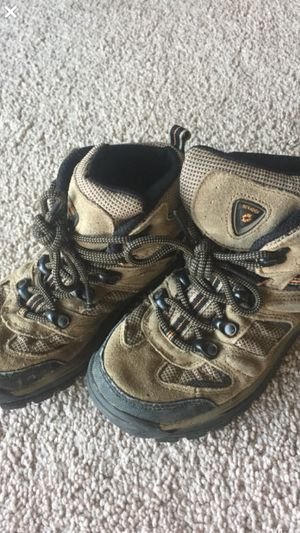 Kid's size 2 - Hiking/Snow Boots for Sale in Port Hueneme, CA