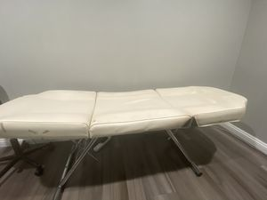 Facial bed for Sale in Arcadia, CA