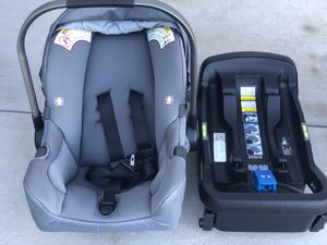 2 Nuna Pipa car seats with bases, good condition, no accidents. for Sale in Santee, CA