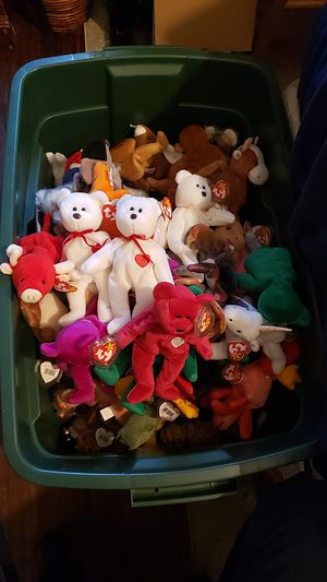 Any BEANIE BABY COLLECTORS OUT THERE? for Sale in Vista, CA