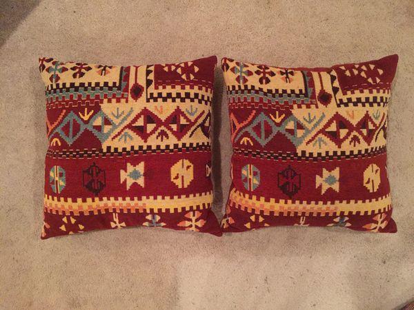 Aztec pillow duo