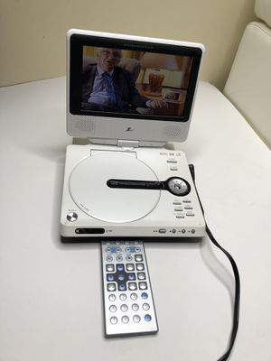 Portable DVD player zenith whit remote for Sale in Tampa, FL