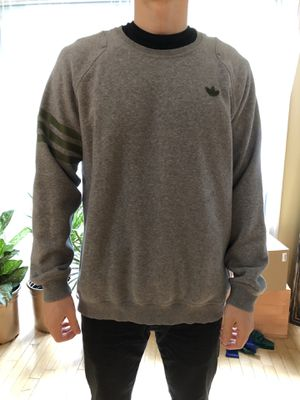 Adidas Originals Crewneck Sweater Men Size L Gray for Sale in Rockville, MD
