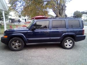 Jeep commander for parts only for Sale in Pawtucket, RI