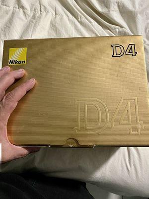 Nikon D4 with Nikon 24-70mm lens for Sale in North Miami Beach, FL