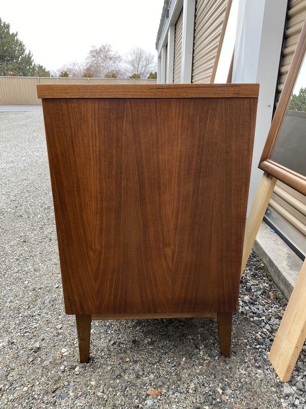 Vintage Mid Century 9 Drawer Dresser