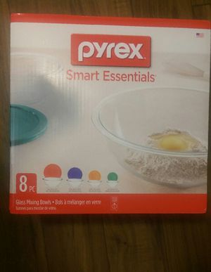 Pyrex 8 piece Smart essentials mixing bowl set for Sale in Delray Beach, FL